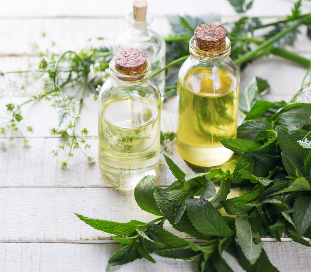 Photo: Ätherische Öle und Minze